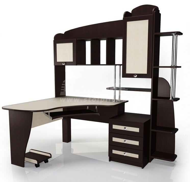 Стол для компьютера МБ – 12Компьютерные столы<br><br><br>Длина мм: 1800<br>Высота мм: 1300<br>Глубина мм: 2000