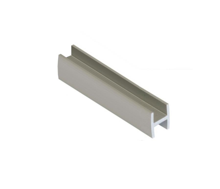 Соединительные профили для стеновой панели толщиной 4ммМебель для кухни<br><br><br>Длина мм: 665<br>Высота мм: 6<br>Глубина мм: 15